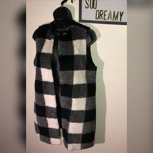 TALBOTS Buffalo Plaid Black & White Faux Fur Vest